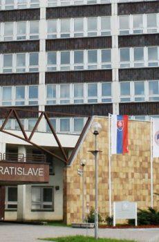 Університет економіки у Братиславі